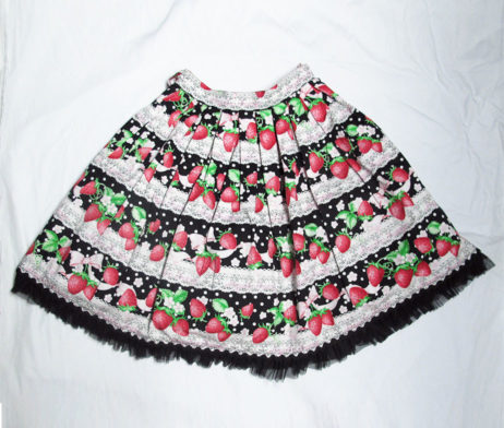 Angelic Pretty Strawberry Millefeuille Skirt