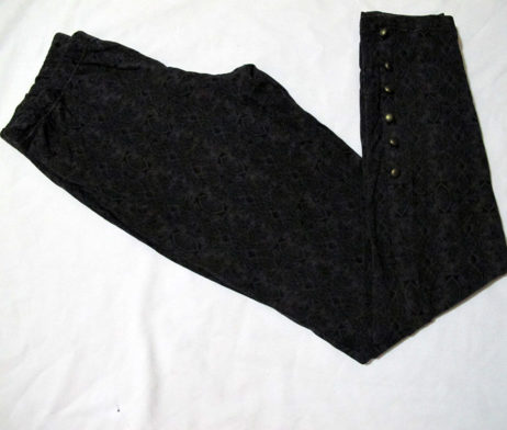 Uniqlo Button Detail Leggings