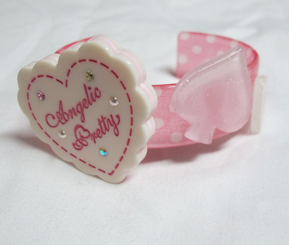 Angelic Pretty Heart Bangle