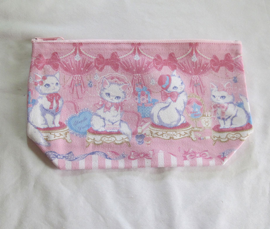 Angelic Pretty Dolly Cat Pouch