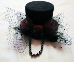 Mini Black Tophat